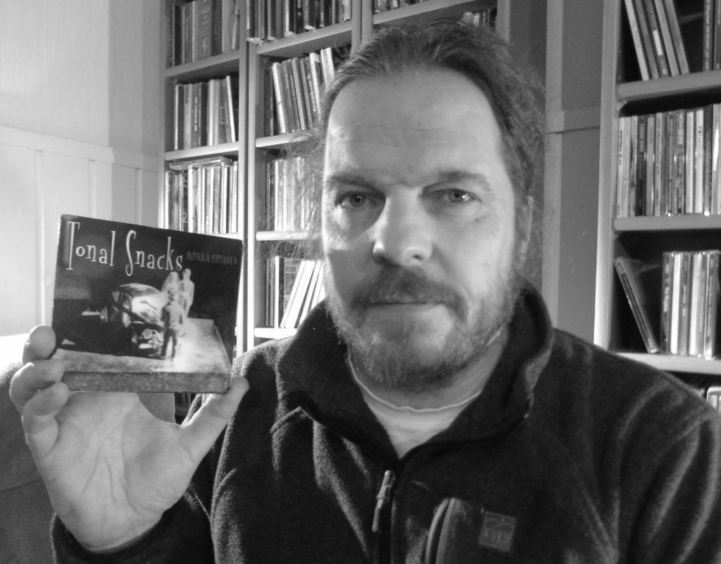Jarkka Rissanen: Tonal Snacks. Bluelight Records 2005.